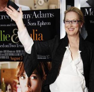 3076213462-actress-meryl-streep-arrives-for-the-premiere-of-julie-julia