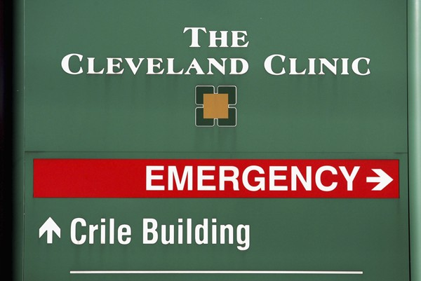 Cleveland-clinic-sign